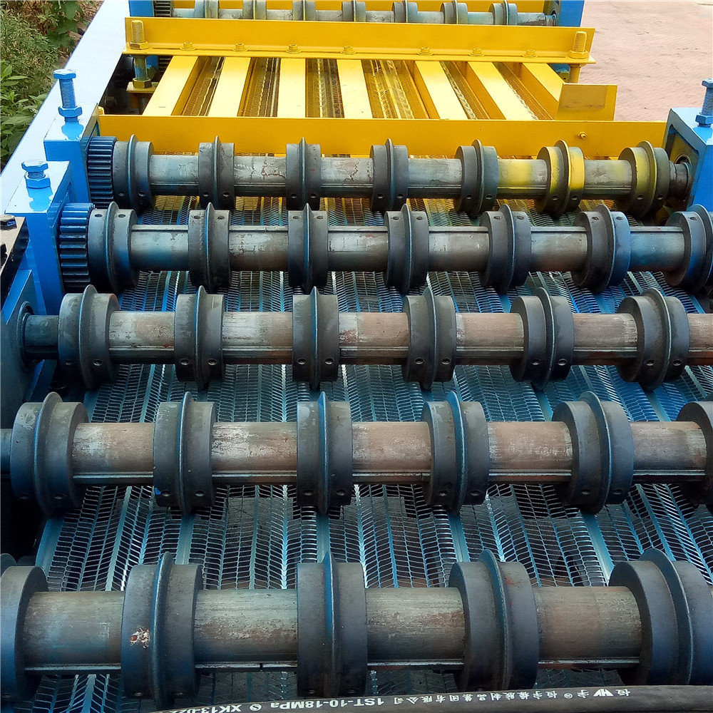 Non - Removal Metal Mesh Expanded Lath machine Good-Looking Reasonable Price