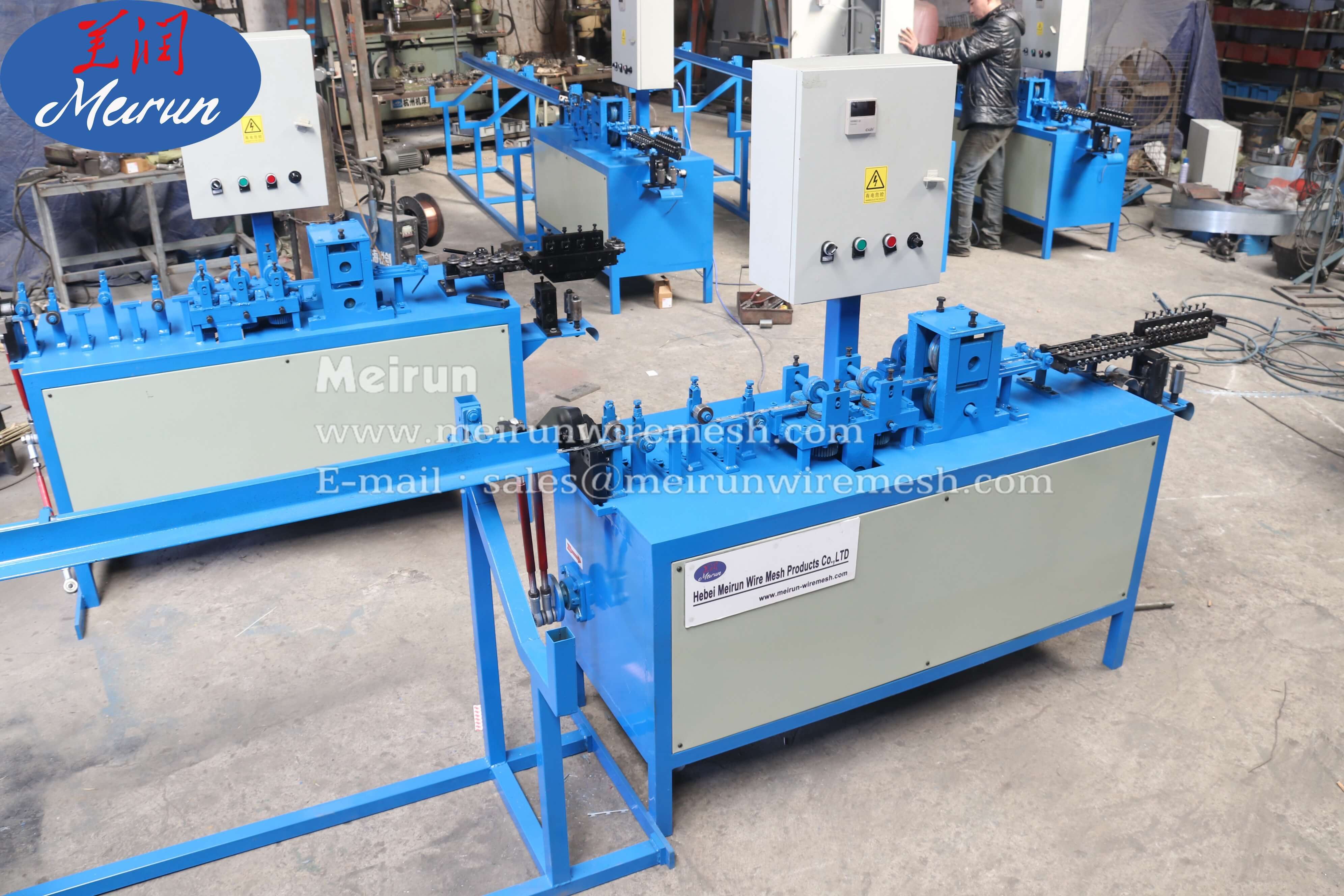 Razor barbed wire mesh panel fence welded Aligning and cutting machine